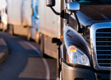 Truck driver raises safety concerns to parliamentary inquiry into Victoria's road toll